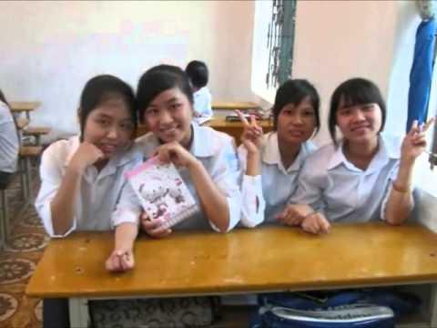 12K áo trắng trường THPT Nguyễn Viết Xuân