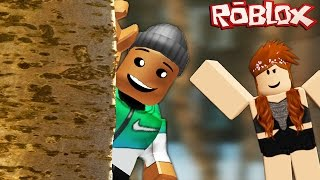 HIDING BEHIND A TREE! | Roblox (Hide and Seek Extreme)