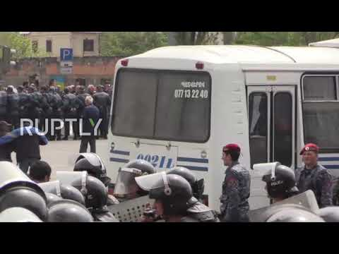 Armenia: Protesters detained as rallies continue in Yerevan