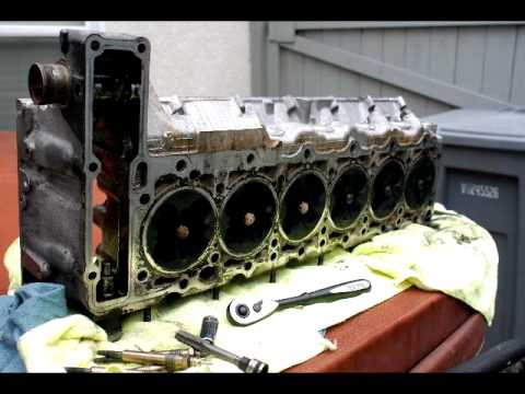 W210 OM606 Cylinder Head Removal at 214,000 miles