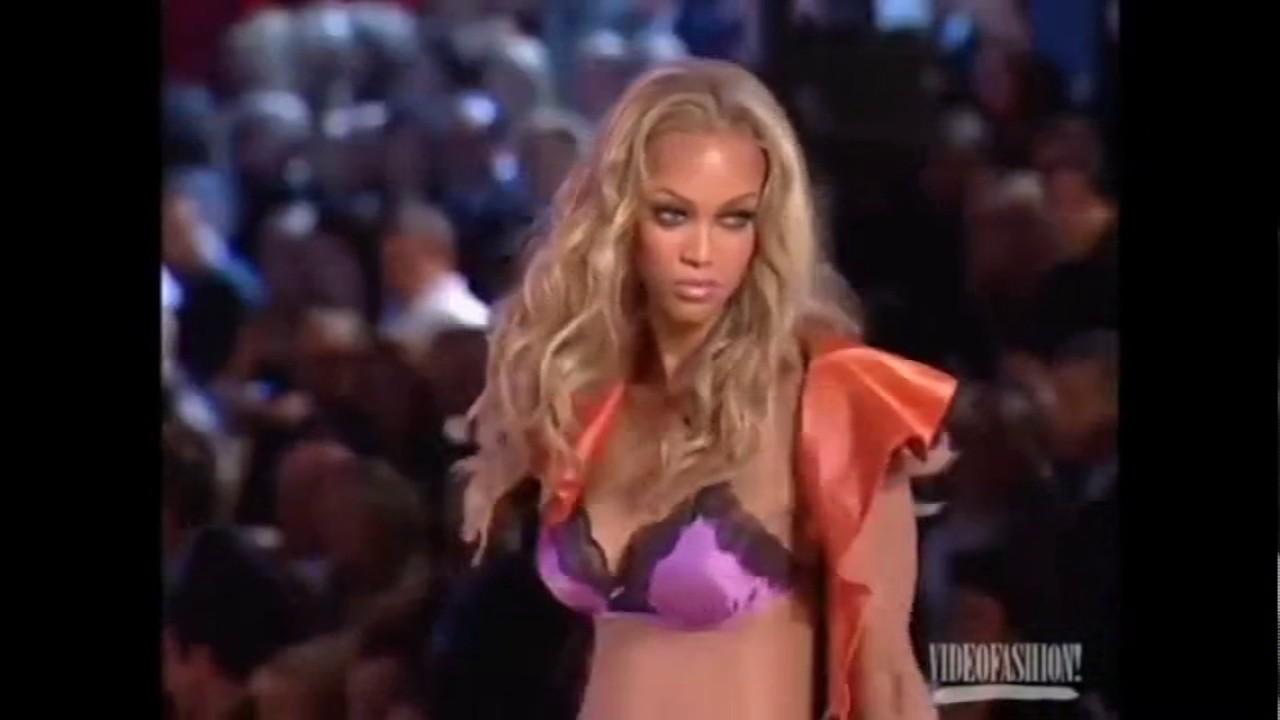 bc72b001263 Tyra Banks Victoria s Secret Runway Walk Compilation 1997-2005 HD ...