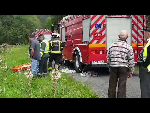 Muere un vecino de A Pontenova al caer con su coche por un terraplén