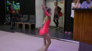 Выступление по художественной гимнастике.Срок обучения 6 месяцев .