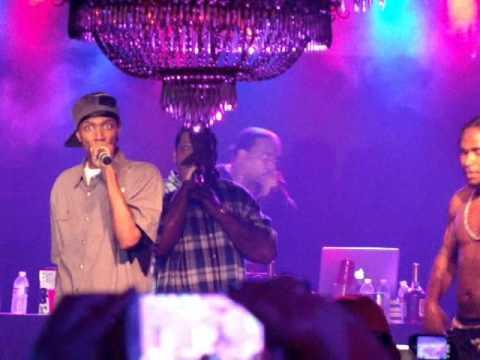 Bone Thugs-N-Harmony - ''Crept And We Came'' @ Dixie Roadhouse