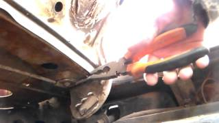 видео Что делать, если не держится крышка багажника ВАЗ 2115