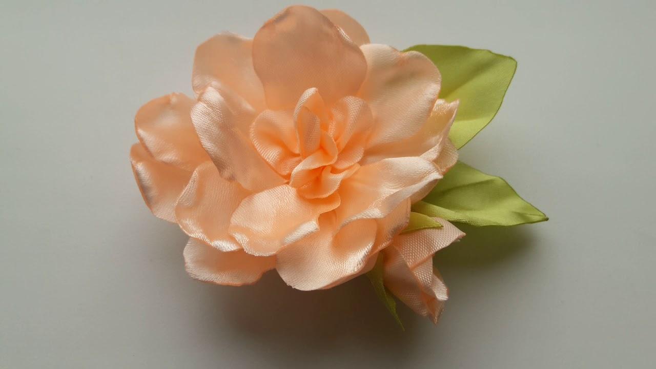 Брошь цветок - Гардения из лент. Хотели бы сделать?