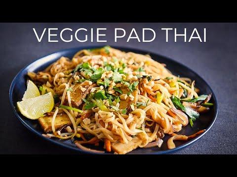 VEGGIE PAD THAI RECIPE | EASY VEGAN NOODLE STIR FRY (ผัดไทย)