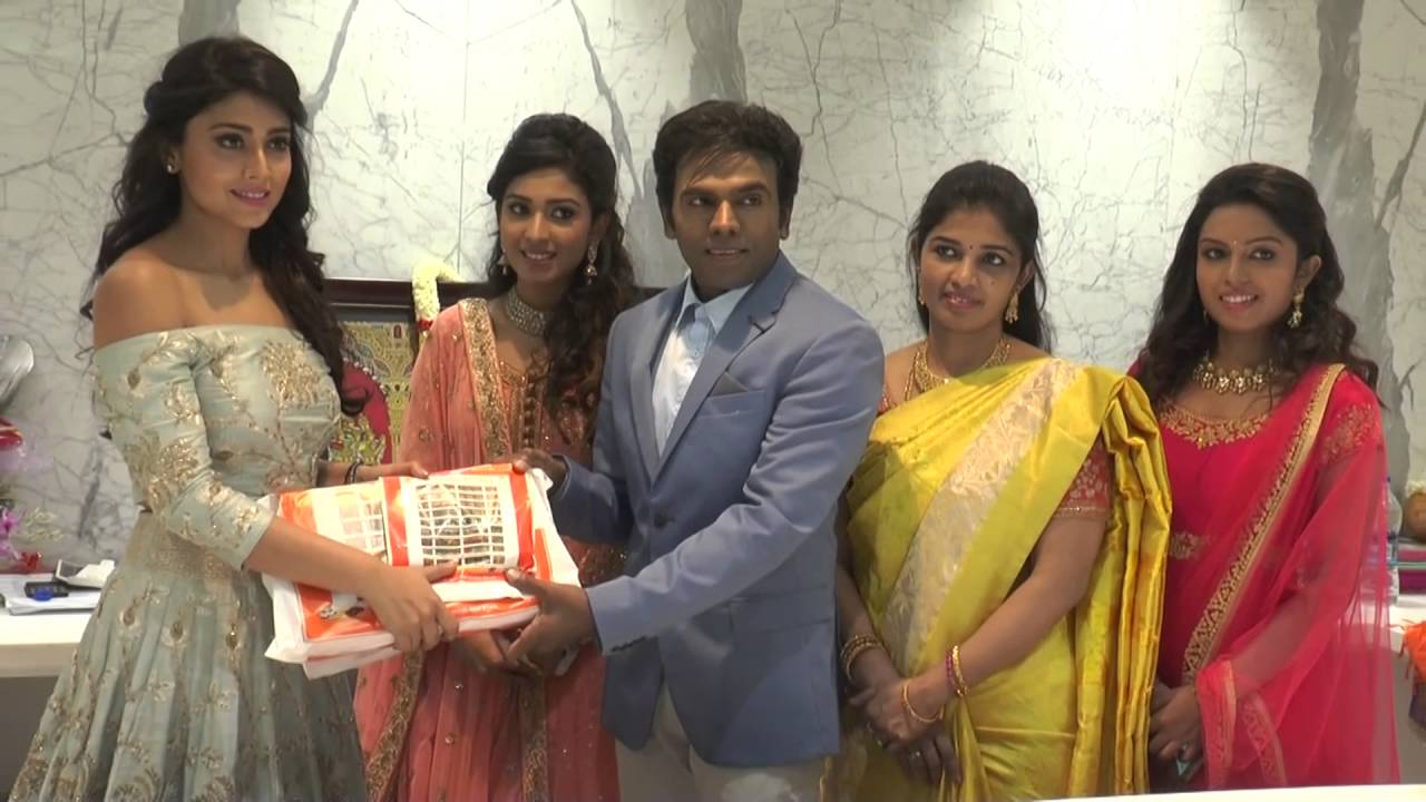 Celebrities At The Legend New Saravana Stores Padi Showroom