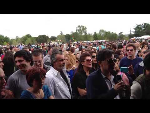 The First Persian Karaoke.Balboa Park.13 Bedar 1392.CA.USA نخستین دستگاه کریوکی فارسی