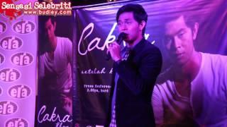 Download Video Cintamu Bukan Untukku - Cakra Khan di Kuala Lumpur MP3 3GP MP4