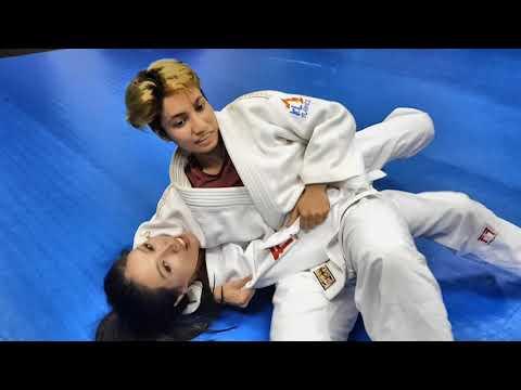 Amber Chia's 1st Judo Lesson