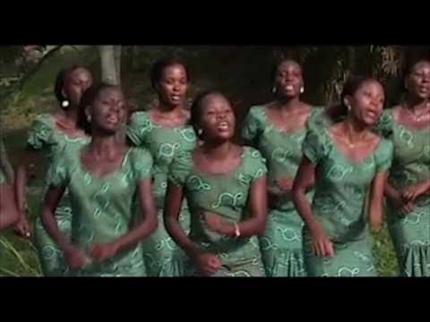 Uscf choir mlimani ~NIMEKUKIMBILIA