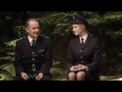 Anton Lesser talks about Dakota Blue Richards Character in 'Endeavour'