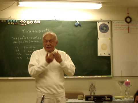 Download Radim en clase antes de la meditación con ojos abiertos sobre el Magnetocromo, en CICET.MPG