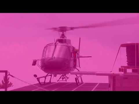 Social Media Post: Monte Generoso. Der Helikopter hilft beim Aufbau der Antennen. EAN