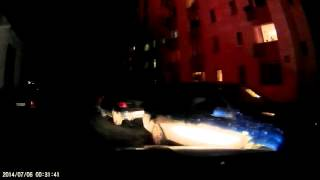 Во дворе на Таганской, 24 рядом с припаркованными машинами загорелся мусорный контейнер(Подробности тут: http://www.e1.ru/news/spool/news_id-440587.html., 2016-03-19T18:31:53.000Z)