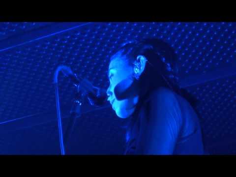 Hundred waters - Murmurs (HD) Live In Paris 2014