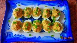 Закуска - яйца, фаршированные скумбрией, сыром. Рецепт. Вкусно - пальчики оближешь!