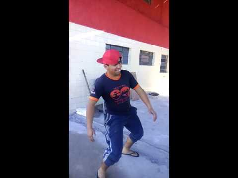 Dança da porra essa funk ninguem dança igual