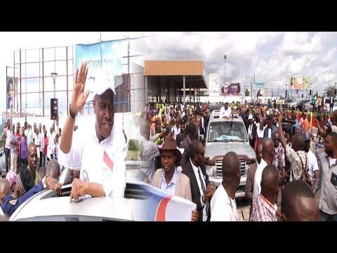 Kiosque ebouge M.Fayulu reconforte les etudiant de l'UNIKIN PRESIDANTS DE RETOUR