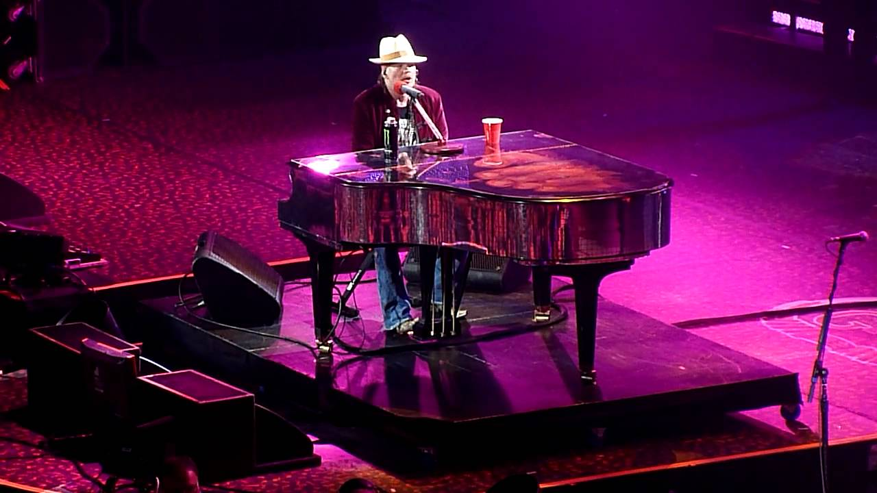 guns n 39 roses november rain live pacific coliseum vancouver december 17 2011 youtube. Black Bedroom Furniture Sets. Home Design Ideas
