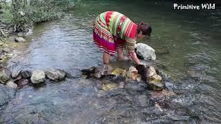 Survival skills: Boy meet girl sleeping by stream - Build traditional fish trap