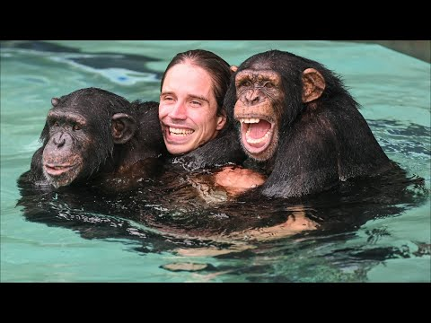 Kody Antle Eats Dinner With Chimpanzees