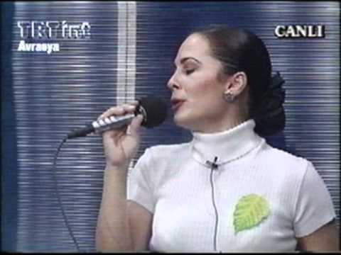 Demet Sağıroğlu - Arnavut Kaldırımı [1996 - Canli]