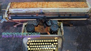 Very Old TypeWriter Restoration and Disassembly Part 1 - Royal TypeWriter Restore It