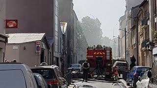 Pompiers de Paris incendie de Garage Automobile Paris Fire Dept on scene Car workshop fire