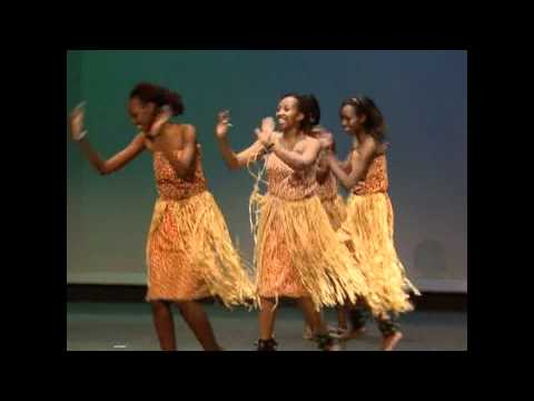 Burundi traditional dance: Mama Ndariwe (Ishaka dance group)