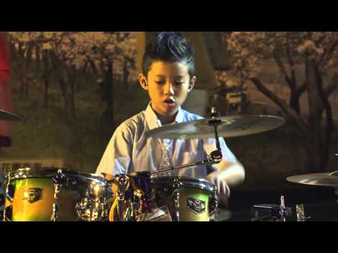 2015-12-5桃園八德興仁花園夜市-《湯瑪士》爵士鼓表演-三天三夜