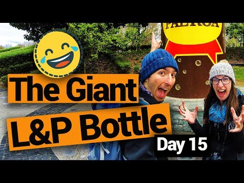 Paeroa's Giant L&P Bottle - New Zealand's Biggest Gap Year – Backpacker Guide New Zealand