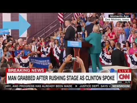 Secret Service Agents Again Rush The Stage At Clinton Rally
