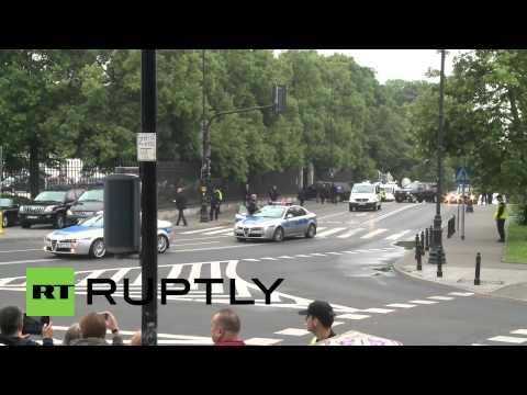 Poland: Obama arrives for talks in Warsaw