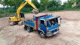 #รถหกล้อดั้ม#รถแบคโฮ!!มาดูรถดั้มทีมงานบุญรอดกับแบคโฮKomutsu pc 130ตักดินใส่รถหกล้อดั้มDump truck