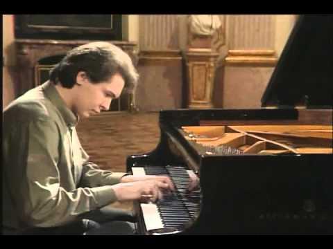 Recital: Bach · Scarlatti · Beethoven (Pogorelich)