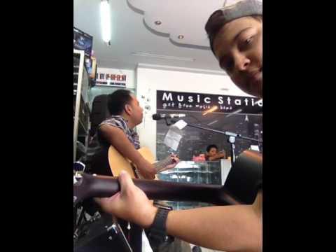 Ampar ampar pisang Versi acoustic 😊 (cover)