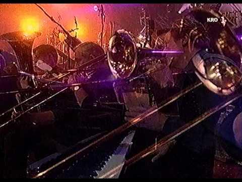 Gé Reinders & Metropole Orkest - Bloasmuziek - Gala vh Nederlandse Lied 18-03-00 HD