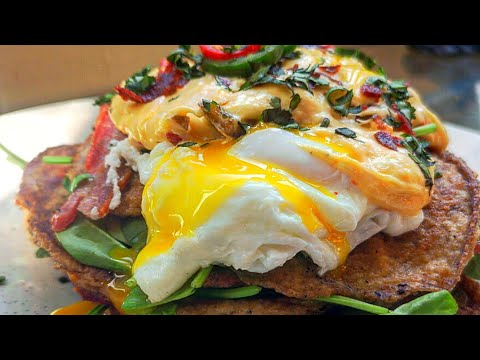 cheese-and-chorizo-keto-pancakes,-with-bacon,-eggs,-spinach,-and-cheese-and-jalapeño-sauce.