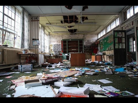 Exploring Abandoned Victorian Welsh Primary School (Everything Left Behind)