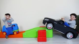 Yusuf'un Akülü Arabası Kaçıyor | Kids pretend play with Battery Powered Car