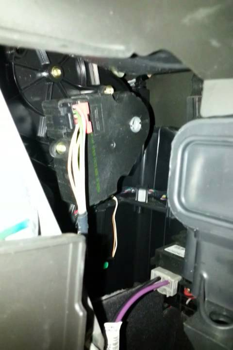 2001 subaru radio wiring diagram traverse air blend actuator youtube  traverse air blend actuator youtube