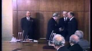 Л.И.Брежнев награждает М.С.Горбачёва.mp4