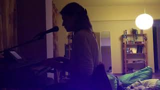 Download Lagu Everybody knows, by Sigrid - cover Mp3