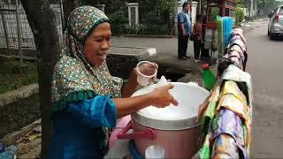 PAK BEWOK JUALAN CILOR SOSIS DI SMP 215 MERUYA SUDAH 5X GANTI KEPSEK!!! INDONESIAN STREET FOOD