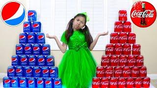 温迪假装玩可口可乐与百事可乐购买汽水时学习颜色 Wendy Coke vs Pepsi