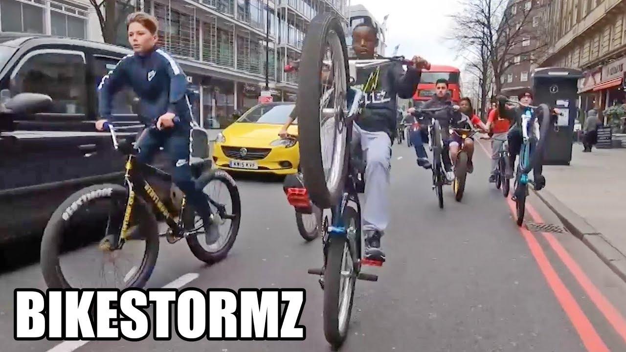Phénomène BikeStormz : 4000 riders envahissent les rues de Londres !