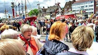 07 Emden 2014 Guinessbuch größter Shantychor Blaue Nacht im Hafen Weltrekord