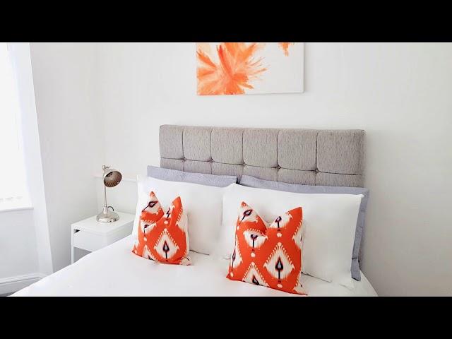 En suite Double bedroom available now Main Photo